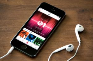 Apple Music 300x196 - Buntuti Spotify, Pengguna Apple Music Menyentuh Angka 30 juta